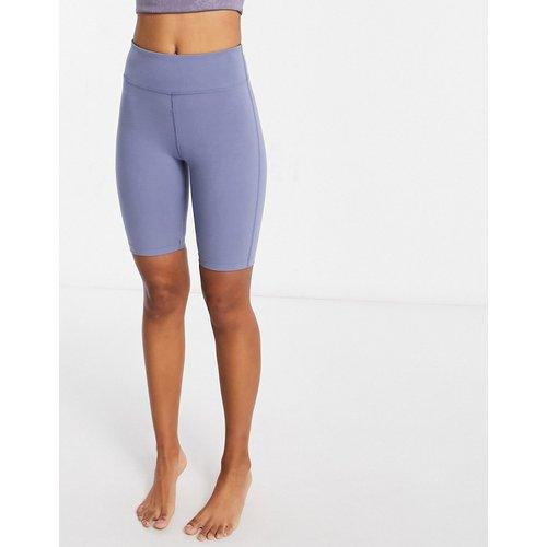 Short legging moulant à emblème effet coton - ASOS 4505 - Modalova