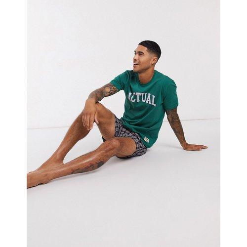 ASOS - Actual - Ensemble pyjama confort avec t-shirt et short tissé à carreaux - ASOS Actual - Modalova