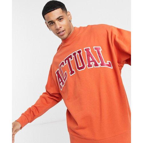 Sweat-shirt oversize en velours côtelé avec large logo appliqué - Rouille - ASOS Actual - Modalova