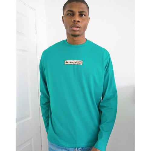 ASOS - Day Social - T-shirt oversize à manches longues avec logo imprimé - ASOS Day Social - Modalova
