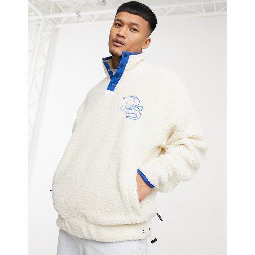 ASOS Daysocial - Sweat-shirt oversize duveteux en imitation peau de mouton avec encolure style survêtement - ASOS Day Social - Modalova