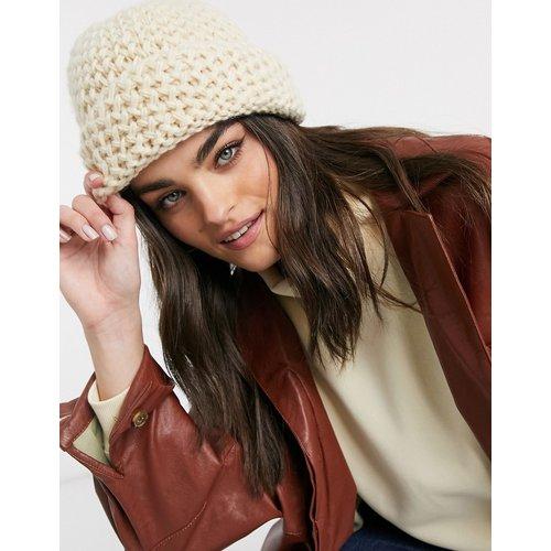 Bonnet en maille gaufrée - Crème - ASOS DESIGN - Modalova