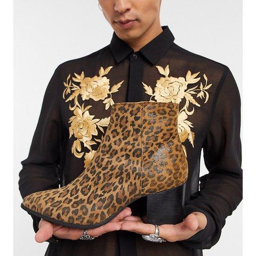 Bottines Chelsea à talon, bout pointu et imprimé léopard pointure large - ASOS DESIGN - Modalova