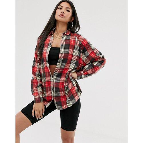 Chemise manches longues coupe boyfriend à carreaux écossais - Rouge - ASOS DESIGN - Modalova