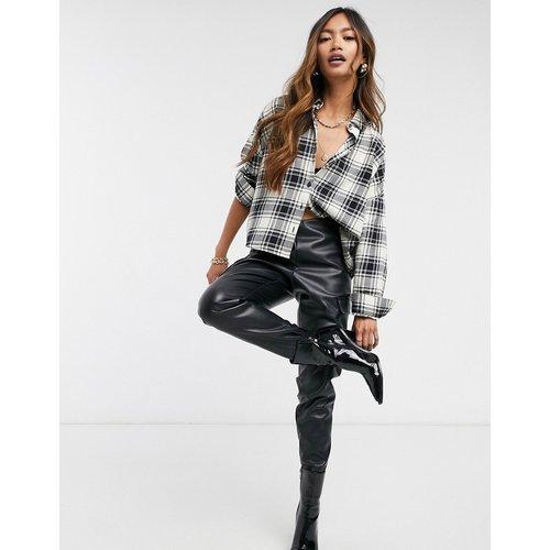Chemise manches longues courte à carreaux - Noir et crème - ASOS DESIGN - Modalova