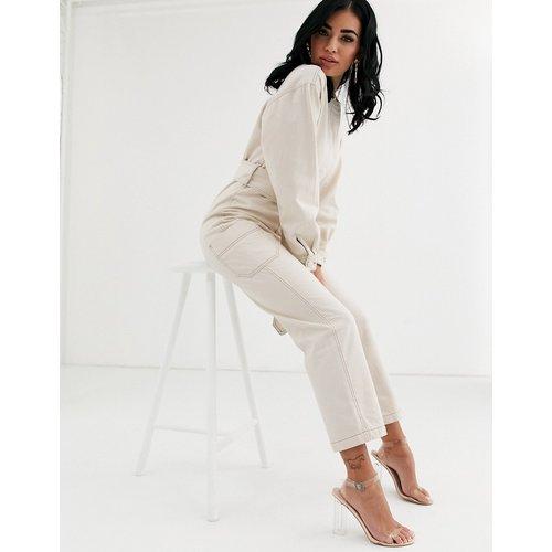Combinaison en jean à surpiqûres contrastantes avec ceinture - Ivoire - ASOS DESIGN - Modalova