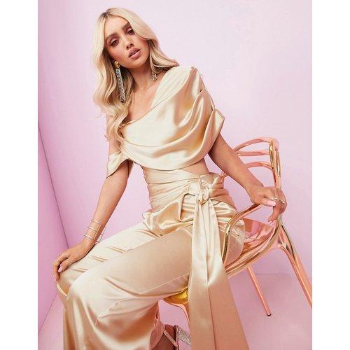 ASOS DESIGN - Combinaison large premium luxueuse drapée en satin avec ceinture à nouer - ASOS Luxe - Modalova
