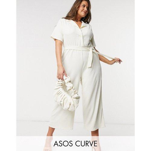 ASOS DESIGN Curve - Combinaison en jersey avec lien à la taille et col ouvert aspect texturé - Taupe - ASOS Curve - Modalova