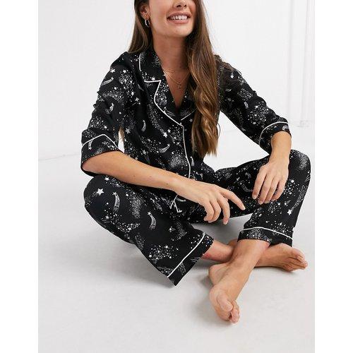 Ensemble de pyjama avec chemise et pantalon droit 100% modal à imprimé constellation d'étoiles - Noir - ASOS DESIGN - Modalova