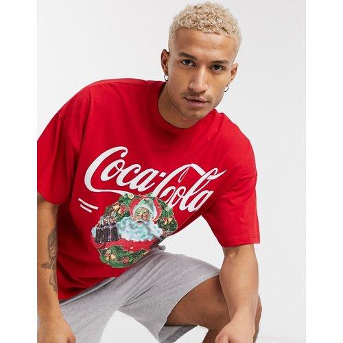 Ensemble de pyjama confort de Noël avec t-shirt et short à imprimé Coca Cola - ASOS DESIGN - Modalova