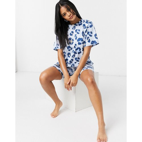 Ensemble pyjama short legginget t-shirt oversizeà imprimé léopard - ASOS DESIGN - Modalova