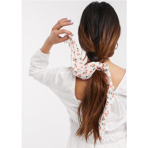 Foulard pour cheveux imprimé cerises - ASOS DESIGN - Modalova