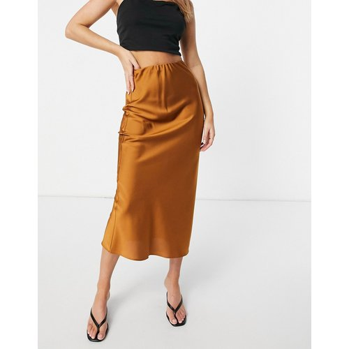Jupe mi-longue style jupon en satin coupée en biais - Fauve - ASOS DESIGN - Modalova