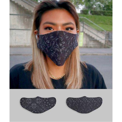 Lot de 2 masques en tissu unisexes à imprimé bandana et linéaire - ASOS DESIGN - Modalova