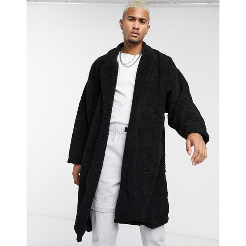 Manteau long ultra oversize en imitation peau de mouton - ASOS DESIGN - Modalova