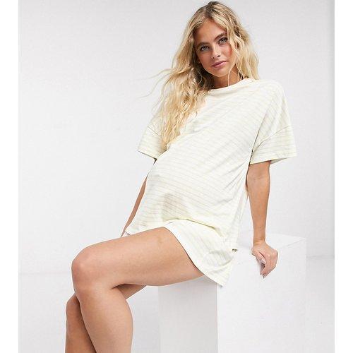 ASOS DESIGN Maternity - Ensemble de pyjama avec short et t-shirt rayé - Citron - ASOS Maternity - Modalova