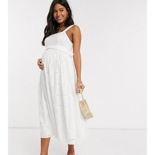 ASOS DESIGN Maternity - Robe d'été mi-longue avec marguerites brodées et ceinture à nouer - ASOS Maternity - Modalova