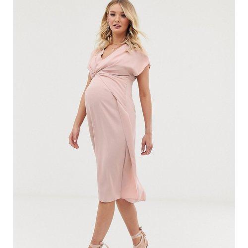 ASOS DESIGN Maternity - Robe mi-longue torsadée et drapée sur le devant - ASOS Maternity - Modalova