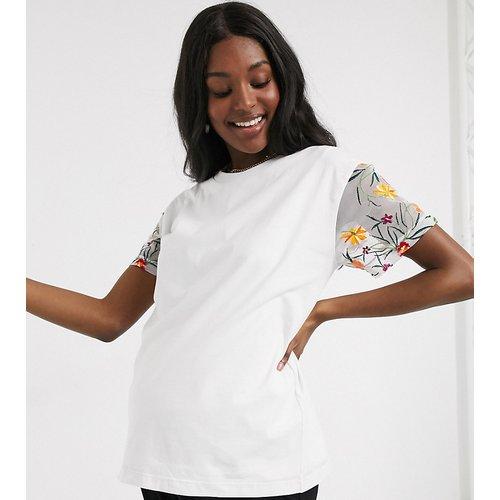 ASOS DESIGN Maternity - T-shirt d'allaitement double épaisseur avec manches brodées - ASOS Maternity - Nursing - Modalova