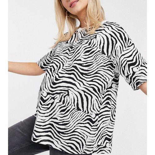 ASOS DESIGN Maternity - T-shirt oversize à imprimé zèbre - Monochrome - ASOS Maternity - Modalova