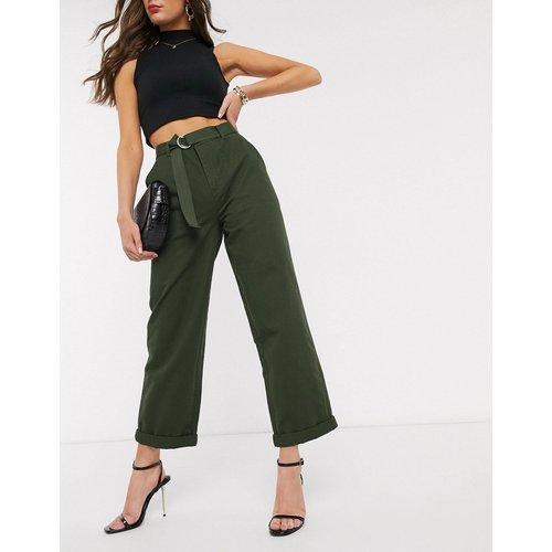 Pantalon ajusté à ceinture style militaire - Kaki - ASOS DESIGN - Modalova