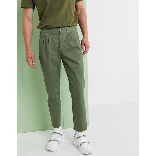 Pantalon chino cigarette plissé - Kaki - ASOS DESIGN - Modalova