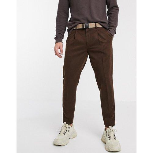 Pantalon court slim habillé avec ceinture et effet texturé - Marron - ASOS DESIGN - Modalova