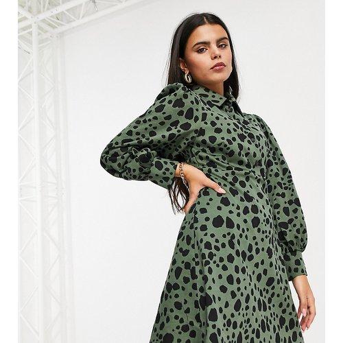 ASOS DESIGN Petite - Robe chemise courte à imprimé léopard - Noir et kaki - ASOS Petite - Modalova
