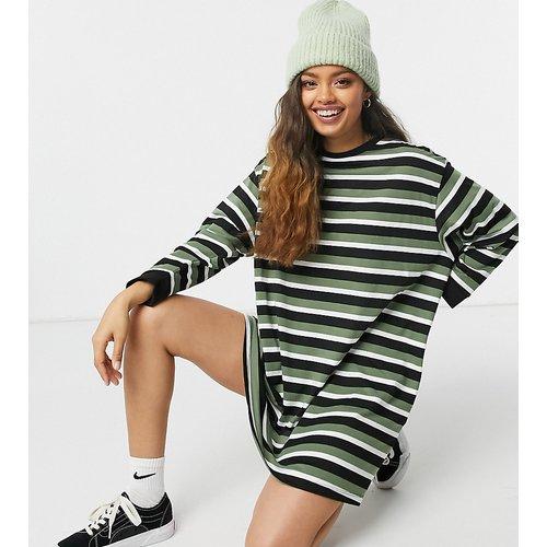 ASOS DESIGN Petite - Robe t-shirt oversize rayée à manches longues - Kaki - ASOS Petite - Modalova