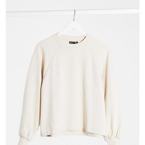 ASOS DESIGN Petite - Sweat-shirt coupe carrée avec manches larges - Taupe - ASOS Petite - Modalova