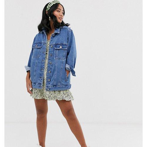ASOS DESIGN Petite - Veste en jean style girlfriend - délavé moyen - ASOS Petite - Modalova