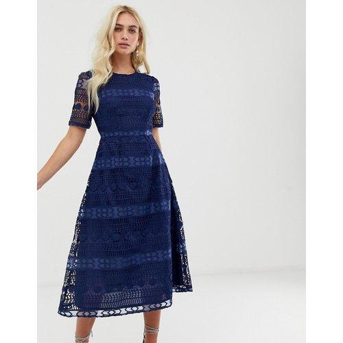 Premium - Robe mi-longue en dentelle - ASOS DESIGN - Modalova
