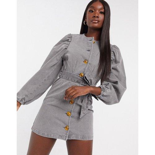 Robe avec ceinture manches bouffantes en jean - délavé - ASOS DESIGN - Modalova