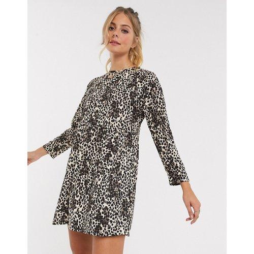 Robe babydoll courte à imprimé léopard - ASOS DESIGN - Modalova