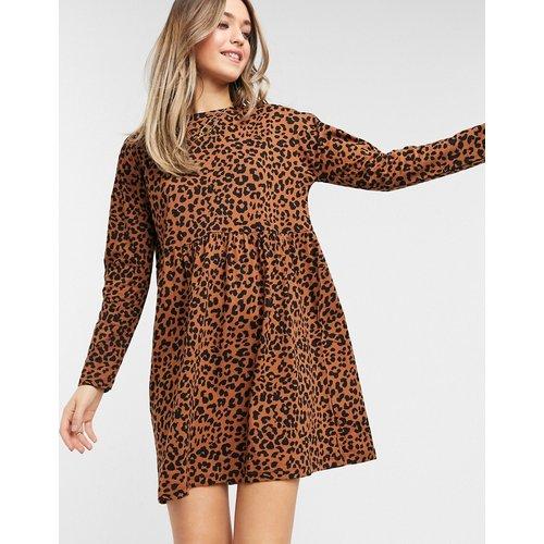 Robe babydoll courte avec manches longues à imprimé léopard - ASOS DESIGN - Modalova