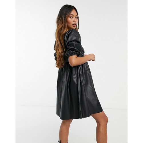 Robe babydoll courte imitation cuir - ASOS DESIGN - Modalova