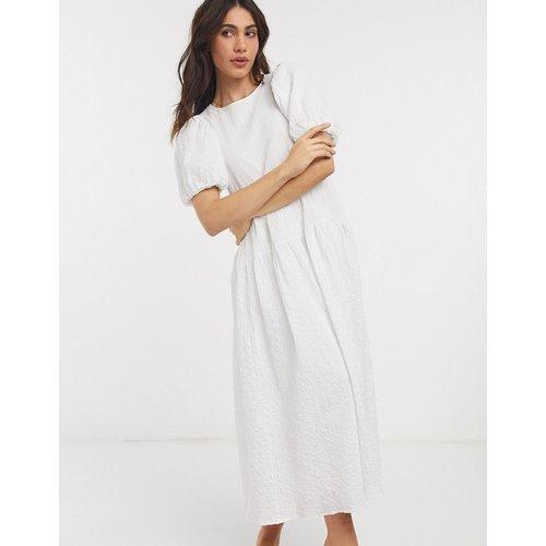 Robe babydoll mi-longue texturée avec manches bouffantes - ASOS DESIGN - Modalova