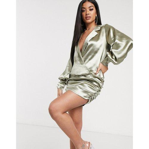 Robe chemise courte en satin ultra brillant - ASOS DESIGN - Modalova