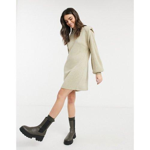 Robe courte avec épaules structurées - Grège - ASOS DESIGN - Modalova