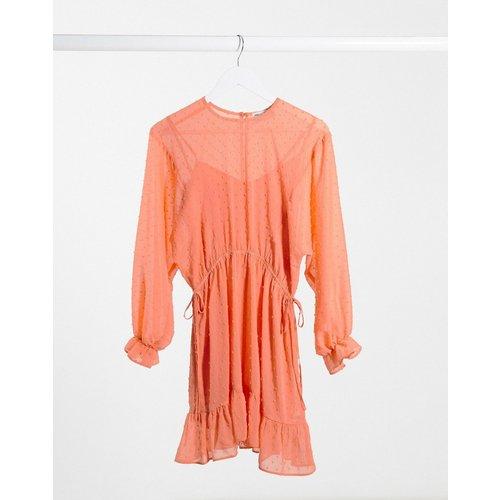 Robe courte façonnée à manches chauve-souris avec cordon de serrage à la taille - Corail - ASOS DESIGN - Modalova