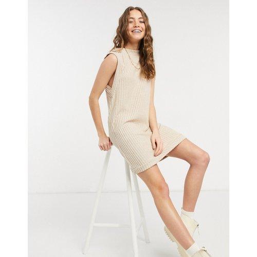 Robe courte sans manches en tissu brossé côtelé - Camel - ASOS DESIGN - Modalova