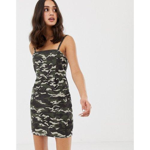 Robe en velours côtelé à imprimé camouflage - ASOS DESIGN - Modalova