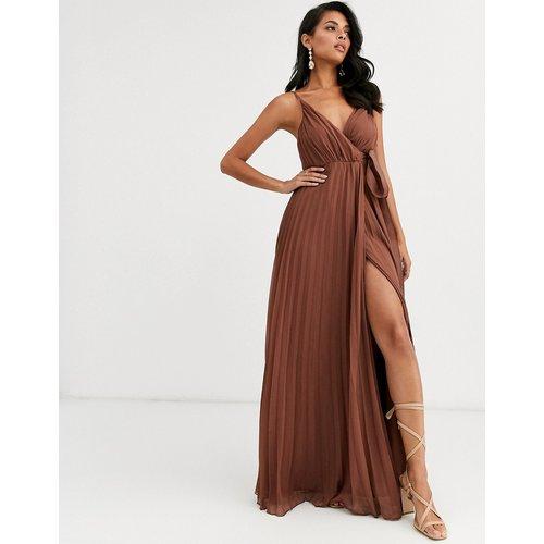 Robe longue plissée style caraco avec liens en gros-grain à la taille - ASOS DESIGN - Modalova