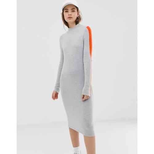 Robe mi-longue à col montant avec rayures contrastantes - ASOS DESIGN - Modalova