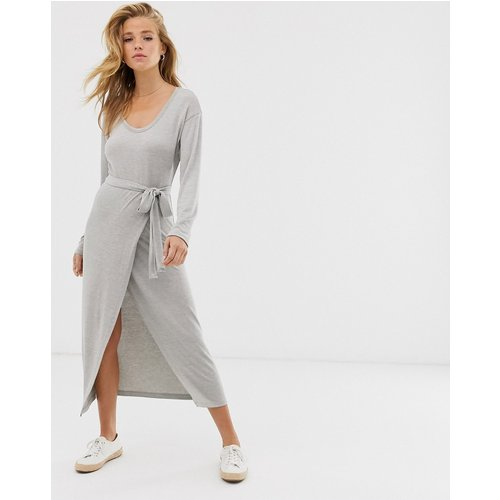 Robe mi-longue en maille de jersey effet chiné avec ceinture - ASOS DESIGN - Modalova