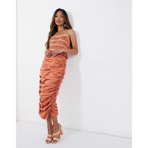 Robe mi-longue en satin avec corsage plissé effet corset et jupe drapée - ASOS DESIGN - Modalova