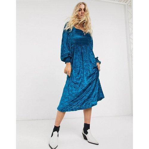 Robe mi-longue froncée en velours et broderie anglaise - ASOS DESIGN - Modalova