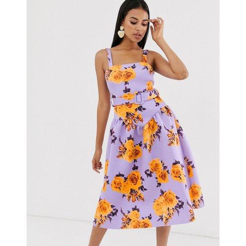 Robe mi-longue taille basse à fleurs de bal de promo avec ceinture - ASOS DESIGN - Modalova