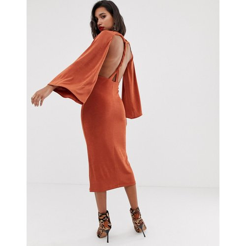 Robe mi-longue torsadée à dos ouvert - ASOS DESIGN - Modalova