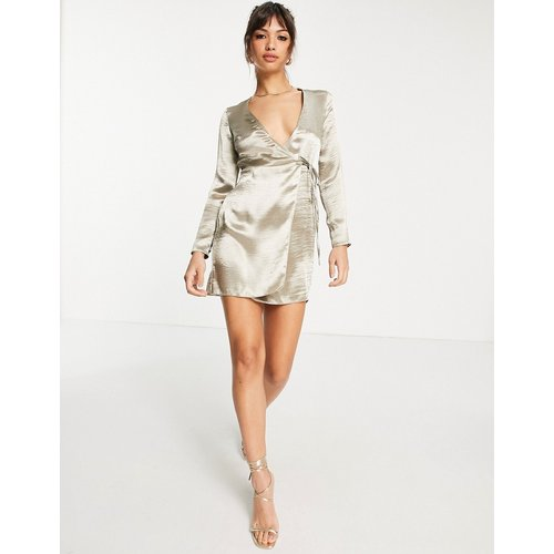 Robe portefeuille courte en satin ultra brillant - ASOS DESIGN - Modalova
